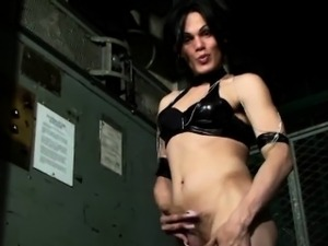 Extreme Tranny Leather Solo