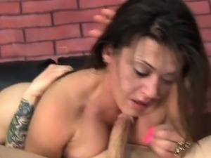 Chick Carmen Ross Does Deepthroat And Doggystyle
