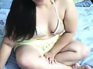 Sexy Amateur GF Rubs Her Pussy on Web Cam
