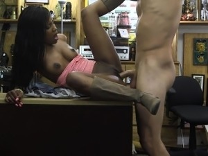 Amateur princess being banged by pawn guy
