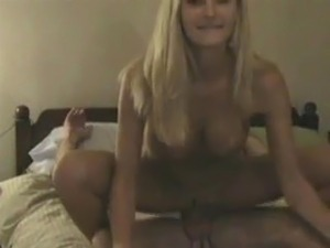 Gorgeous wife cums