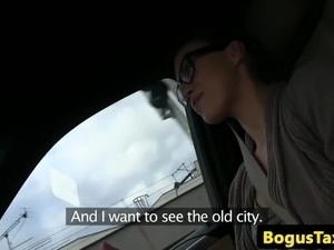 French spex babe cumsprayed by taxi driver