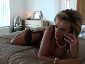 Unfaithful british milf lady sonia shows off her big breasts