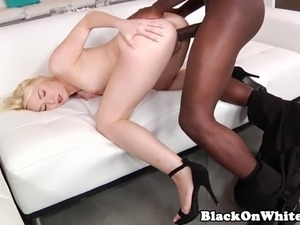 Interracial pornobabe Scarlet Red takes BBC