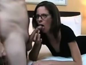Mom has her cunt filled