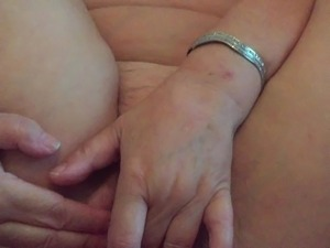 ANNA-MATURE GRANNY GRANDMA-BUM FUN-ANAL STINGING