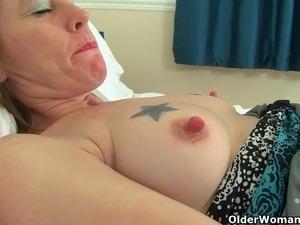 English milf Sexy P's puffy pussy needs TLC
