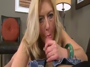 Granny Head #42 (GILF) Busty Blonde Old Woman