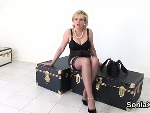 Unfaithful english milf gill ellis shows off her giant boobs