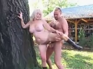 Blonde mom Fuck and facial in the garden