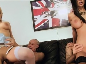 Hot chicks spread their legs apart and let dudes lick twat