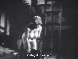 Buxom Babe Shows Her Body (1950s Vintage)