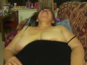 Abuela rosa me agarra la verga - 3 part 2