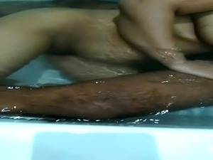 wife wit bf on hottub