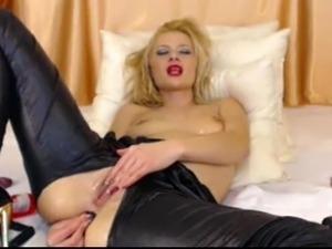 Webcam big dildo and anal beads whore