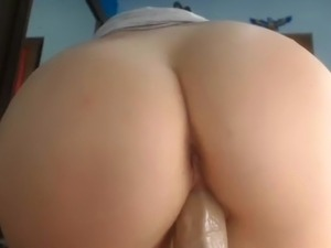 Hottie squirting, anal fingering & pussy maturbating 1of2