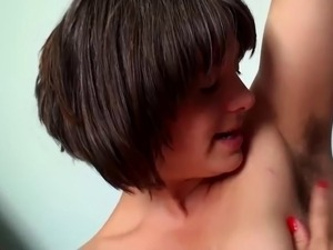 amazing hairy pussy & hairy pits girl fingers to orgasm