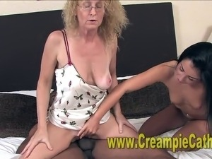 She catches her boyfriend fucking a cougar and joins in Cougars, Cougar-fuck,...