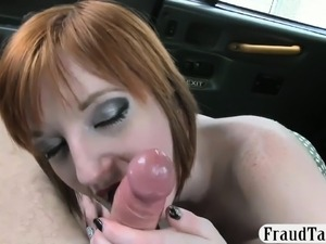 Amateur redhead babe exchanged her pussy for a fare