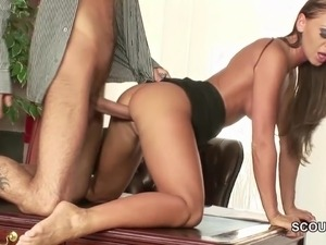 28cm Monster Cock Fuck Skinny Teen in Asshole Anal in Office