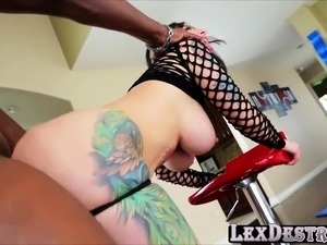 Big tits and ass Dollie Darko gets hammered by Lexington