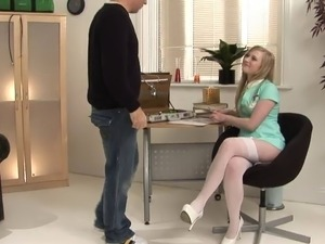 Affectionate blonde takes position for a doggystyle nailing