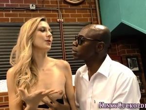 Blonde cuckolds husband