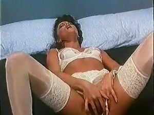 Retro Classic - White French Knickers Masturbation