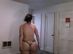 Displaying her butt that is large on cam