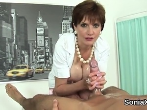 Unfaithful british mature gill ellis presents her huge hoote