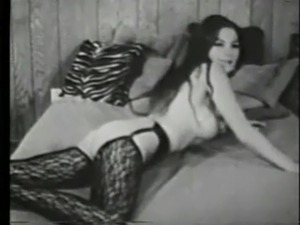 Vintage Tease - Evelyn