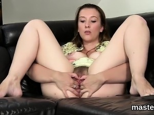 Wicked czech sweetie stretches her juicy fuckbox to the stra