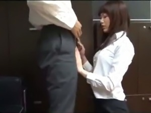 Office Lady Giving Blowjob Getting Her Ass Rubbed With Cock Cum To Skirt On...