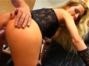 French whore pleasing spanish stud