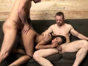 Tight ebony Skin Diamond double fucked with white dudes