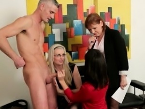 Euro CFNM mature cougars giving head