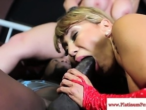 Sara Jay fucked by black cock during ffm