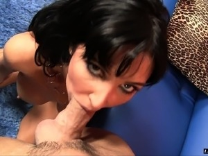 Buxom milf Diana Prince loves tossing salad and getting pounded hard