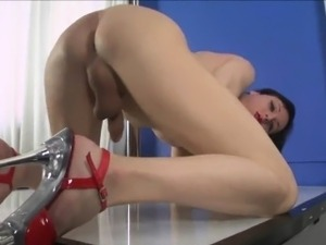 Gorgeous shemale drinks her own sperm