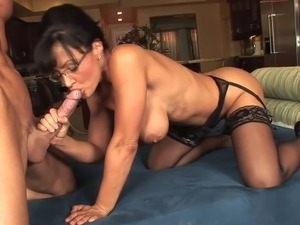 Sexy milf in lingerie with glasses fucks great (TOP MILF)